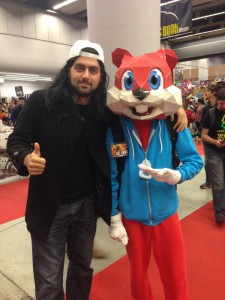 Matt Refghi dressed as Silent Bob, with Conker the Squirrel from Conker's Bad Fur Day